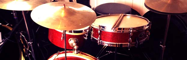 First Drum Kit (part 1) – E-kit or Acoustic?